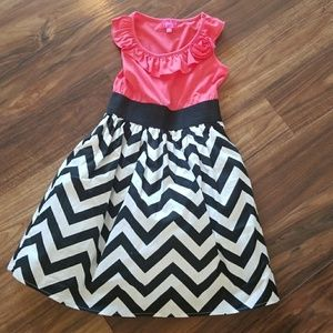 Gorgeous chevron print girls summer dress